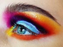 Colourfool Close