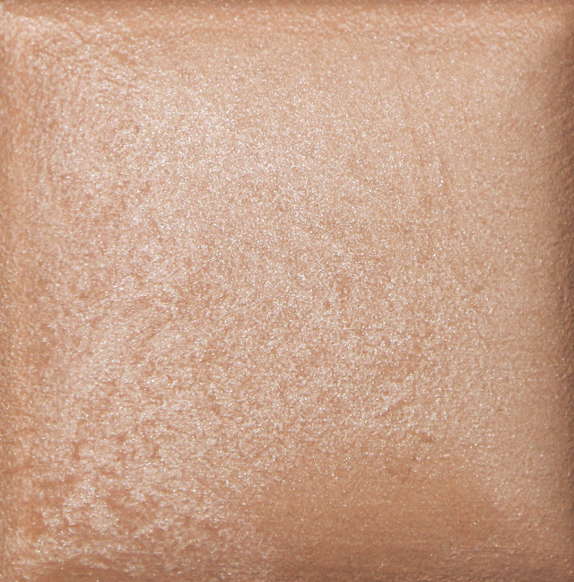 Review & Swatches Hourglass Ambient Lighting Powder in Luminous